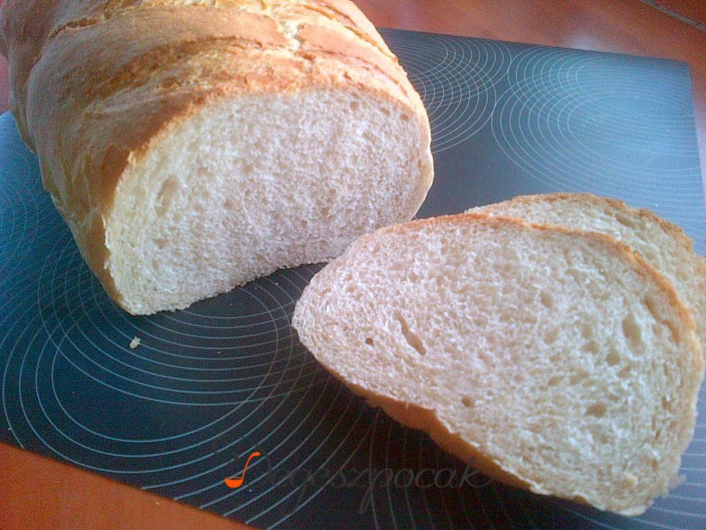 Teljes kiőrlésű tönkölybúzás kenyér