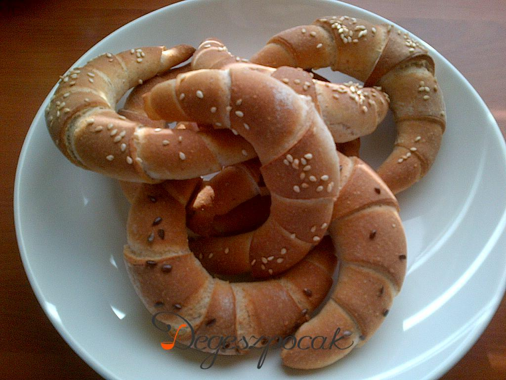 Tönkölykifli és kenyér