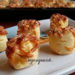 Omlós tejfölös sajtos pogácsa