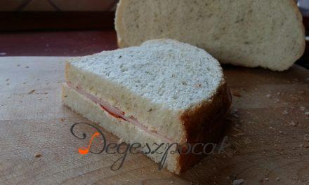 Zöldborsó mikrozöldes házi fehér kenyér