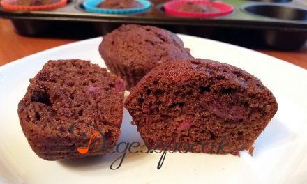 Meggyes-csokis karobos muffin tejmentesen